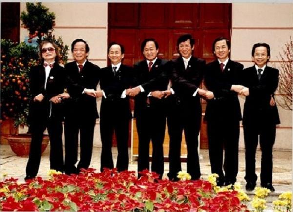 Những người con trai tài giỏi của cố GS Nguyễn Lân