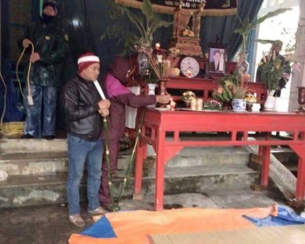 Sau khi khám nghiệm tử thi, cơ quan chức năng đã bàn giao thi thể anh Khiên để gia đình tổ chức tang lễ.