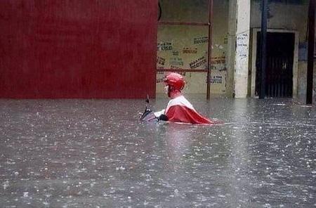 Hà Nội sẽ có mưa rào vào buổi sáng liên tiếp nhiều ngày qua. Ảnh: O.T