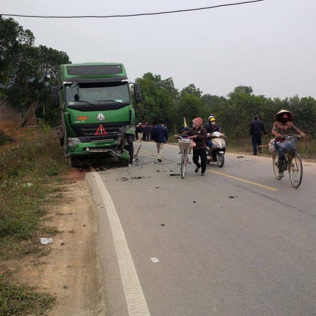 Hiện trường vụ tai nạn giao thông. Ảnh: FB Hoa Binh