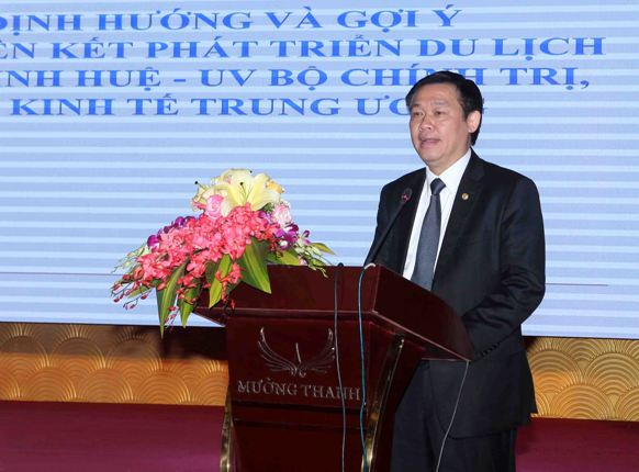 Đồng chí Vương Đình Huệ - Ủy viên Bộ Chính trị - Trưởng Ban Kinh tế Trung ương định hướng và gợi ý trong vấn đề phát triển liên kết du lịch vùng Bắc- Nam Trung Bộ.