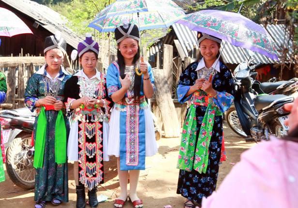 Những học sinh con em đồng bào dân tộc thiểu số rất dễ nghỉ học ở ở lấy vợ, lấy chồng.