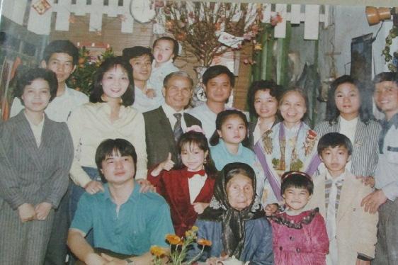 Thành viên gia đình cụ Nguyễn Thị Tề. (Ảnh chụp từ màn hình).