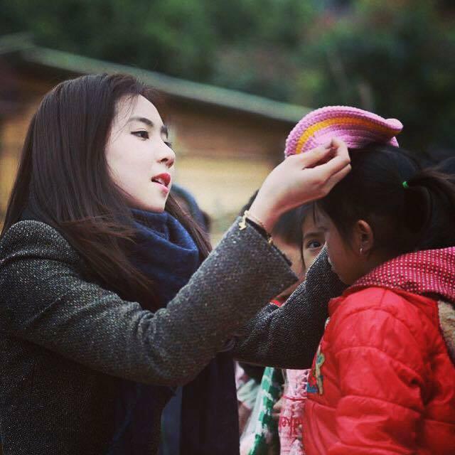 BTV-MC Mai Ngọc trong một chuyến đi từ thiện