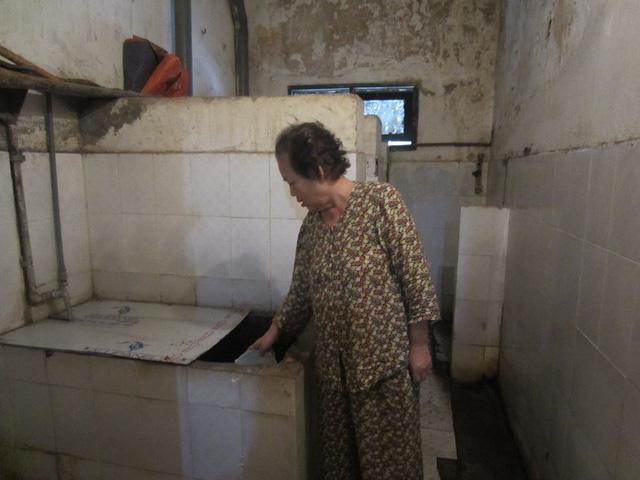 Nhà vệ sinh tại khu tập thể Thuốc lá Thăng Long.