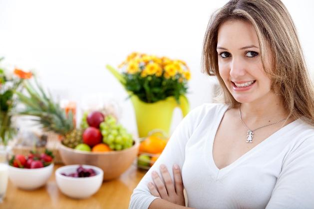 Nên ăn nhiều rau xanh và hoa quả tươi để thu nhỏ u nang buồng trứng