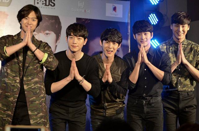 Nhóm nhạc của Kang Tae Oh giao lưu tại Thái Lan vào đầu năm nay