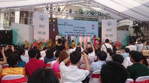 Ngày 22/3 vừa qua, Trường đã được Hệ thống đảm bảo chất lượng các Trường đại học Đông Nam Á (AUN-QA) cấp chứng nhận đạt chuẩn kiểm định chất lượng chương trình đào tạo Thạc sĩ Y tế công cộng. Đây là trường đại học đầu tiên trong khối ngành Y Dược của Việt Nam đạt kiểm định này.