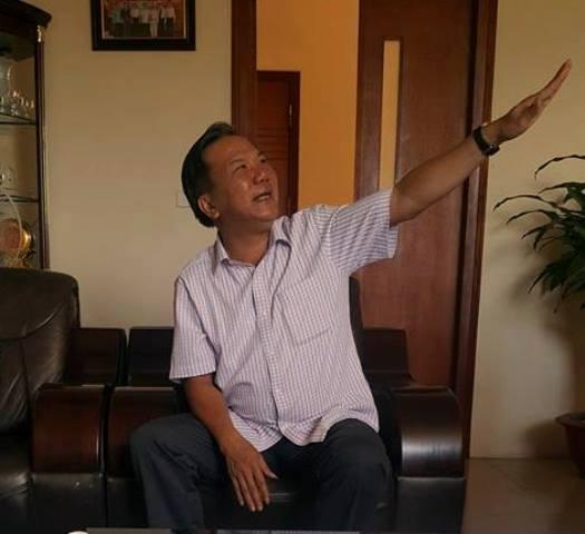 Ông Nguyễn Anh Tuấn – Giám đốc Sở NN&PTTN kiêm Phó Ban Chỉ huy phòng, chống thiên tai và tìm kiếm cứu nạn tỉnh Lào Cai lý giải về tập quán của người dân vùng cao. Ảnh: Cao Tuân