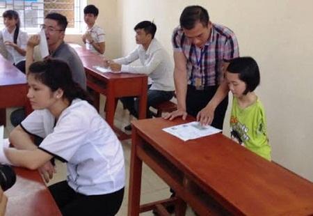 Thí sinh Lê Thị Thắm đỗ vào khoa Sư phạm Tiếng Anh của ĐH Hồng Đức.