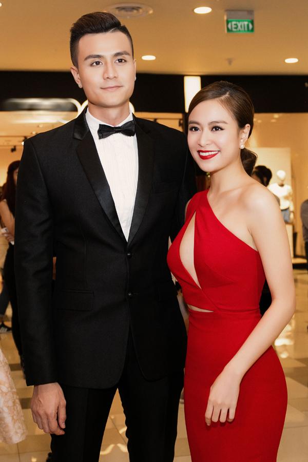 Dù không thừa nhận nhưng bằng nhiều hành động thân thiết, dư luận vẫn cho rằng, Hoàng Thùy Linh và Vĩnh Thụy đang hẹn hò.