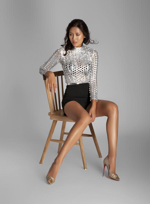 Với hình thể chuẩn đẹp: 89-63-93 và cao 1m75, Loan Nguyễn đang trở thành ứng viên được lựa chọn tham gia Miss Universe 2016.