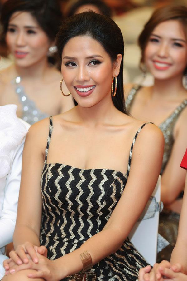 Hiện tại, Nguyễn Thị Loan thích làn da nâu của mình hơn là làn da trắng sứ đang mốt.