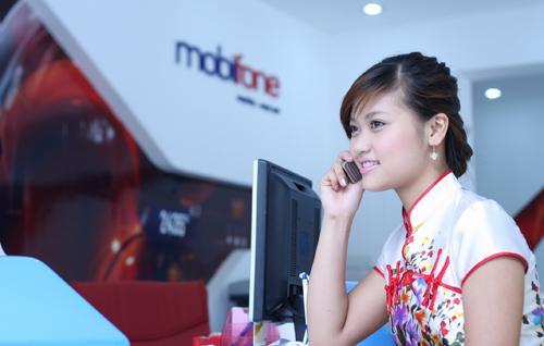 Khách hàng của MobiFone đã không thể tươi cười trong sự cố mất kết nối sáng nay 1/4. Ảnh: Báo Đầu tư