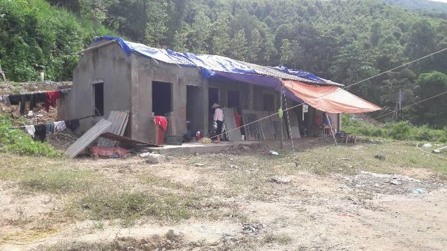 Nhiều người dân sống ở khu vực có bị ảnh hưởng nặng nề của cơn bão số 2 đã được di chuyển đến các khu nhà công cộng. Ảnh: Cao Tuân