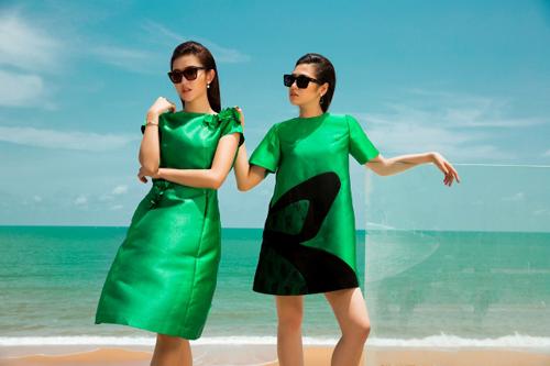 Hai bộ đầm tôn nên vóc dáng của hai Á hậu xinh đẹp.