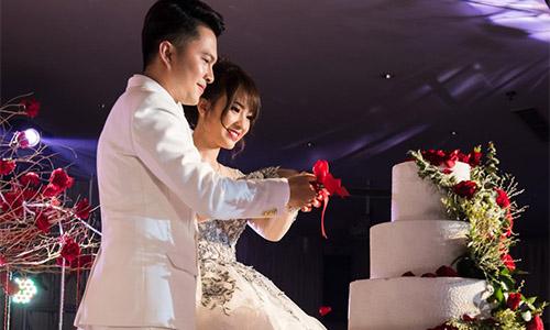Nam Cường không muốn đem lễ cưới ra trước công chúng vì sợ nghi án lấy vợ che giấu giới tính.