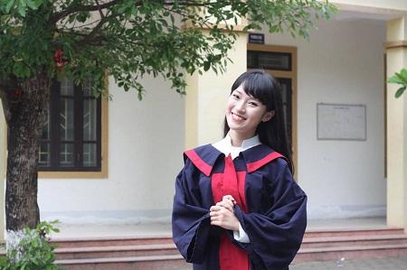 Trần Khánh Vy đỗ 3 trường đại học, nhưng chọn ĐH Ngoại giao để học.