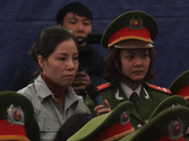 Nguyễn Thị Huệ trong phiên xét xử đại án ma tuý.
