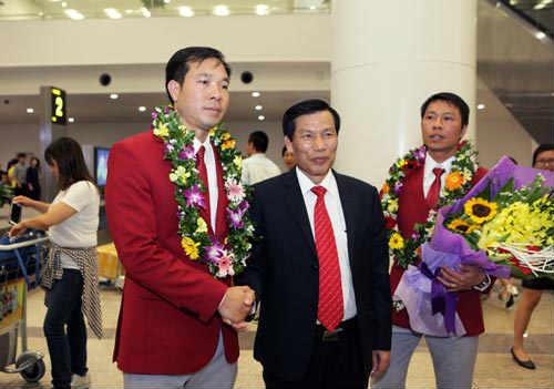 Xạ thủ 42 tuổi nhận được sự quan tâm của NHM Việt Nam, thế giới và cả những vị lãnh đạo cấp cao.