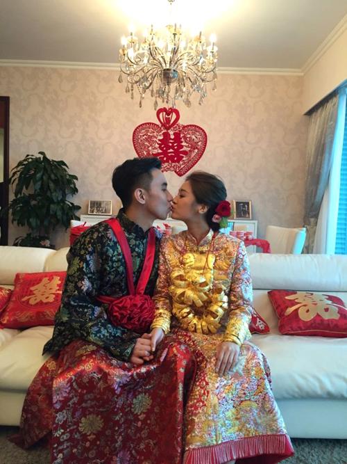Chiều nay, lễ rước dâu của Hoa hậu Hong Kong Trương Danh Nhã và hôn phu - luật sư Choy Kam Ho đã diễn ra trong không khí trang trọng, ấm cúng. Đôi uyên ương đã yêu nhau nhiều năm trước khi đi tới hôn nhân.