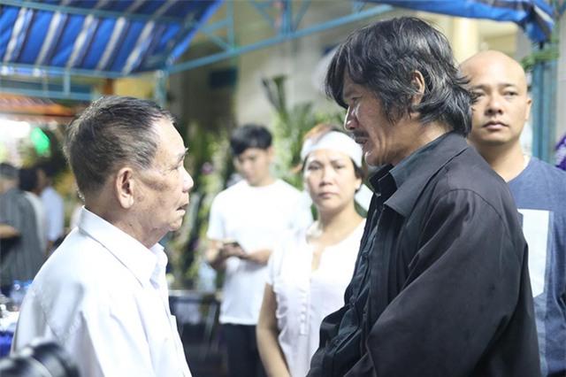 Đạo diễn Công Ninh chia buồn với bố của Minh Thuận.