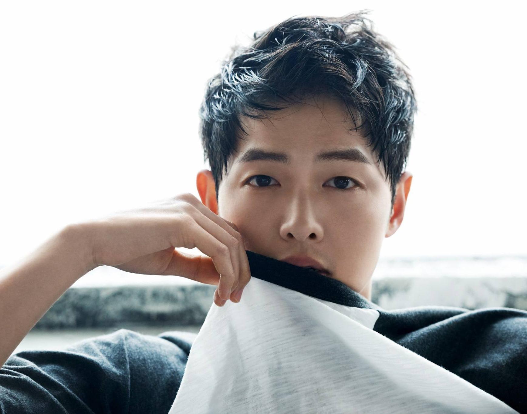 Nhờ thành công của Hậu duệ mặt trời, tên tuổi Song Joong Ki thăng hạng
