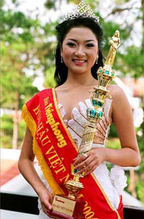 Hoa hậu Nguyễn Thị Huyền.