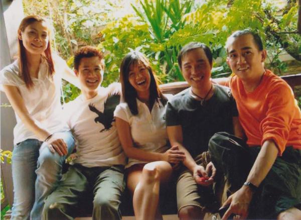 Thanh Thảo chia sẻ bức ảnh cô cùng đồng nghiệp chụp cùng Minh Thuận.