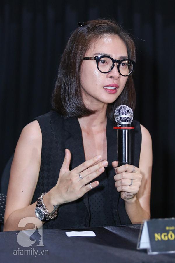Ngô Thanh Vân bật khóc trong họp báo chiều ngày 17/8, tố CGV chèn ép đứa con tinh thần của mình.