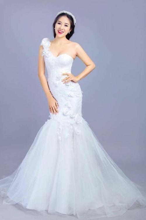 Có khả năng Lê Phương và bạn trai ít tuổi sẽ kết hôn vào cuối năm nay