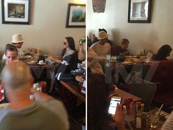 Cũng ngày hôm đó, cặp sao đưa hai con đi ăn sinh nhật tại một quán bình dân. Angelina và Brad ngồi đối diện, mỉm cười ngọt ngào với nhau.