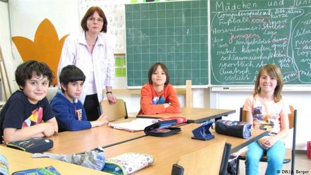 Học sinh Đức sẽ nhận được những mức xếp hạng thay vì điểm số trong 2 năm đầu của tiểu học.