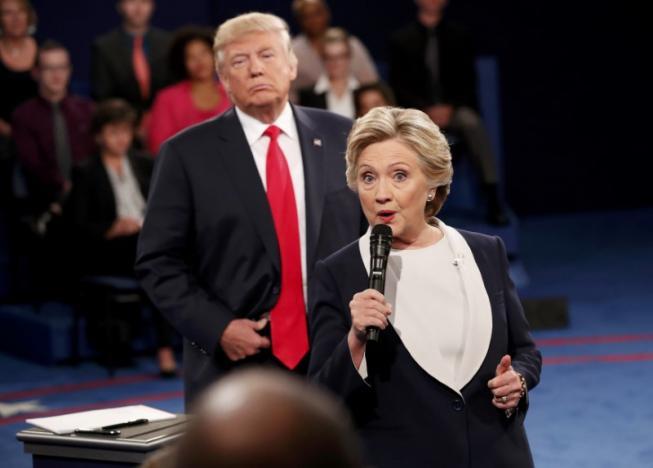 Hillary Clinton nói rằng Donald Trump không phù hợp để làm Tổng thống Mỹ.