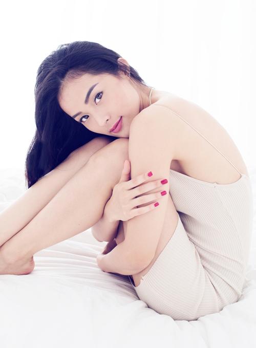 Sau vai diễn cô Tấm trong phim điện ảnh Tấm Cám: Chuyện chưa kể doNgô Thanh Vân sản xuất, Hạ Vi được nhiều nhãn hàng mời làm gương mặt quảng cáo. Cô cũng đắt show đi event hơn trước.