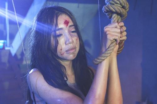 Elly Trần thầm cảm ơn Minh Thuận vì đã luôn hết lòng hỗ trợ cô khi quay trở lại phim trường.