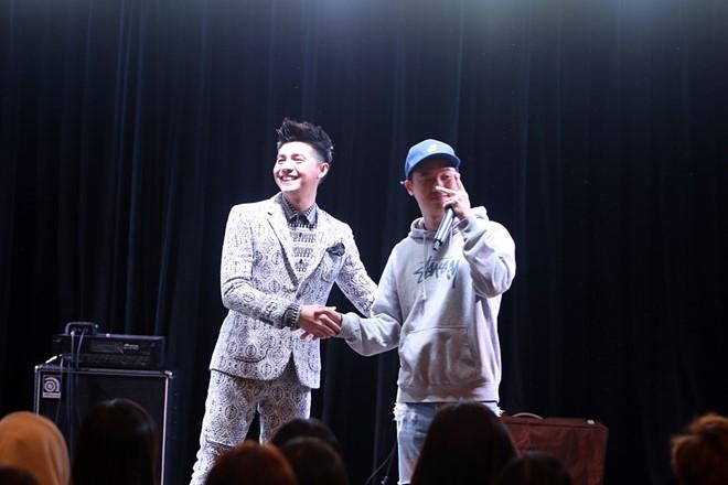 Noo Phước Thịnh - Basick tái hiện tiết mục I Don't Believe In You. Sau đó, anh gửi lời cảm ơn chân thành đến rapper hàng đầu xứ sở kim chi vì màn kết hợp ăn ý vừa qua trên sân khấu Asia Song Festival.