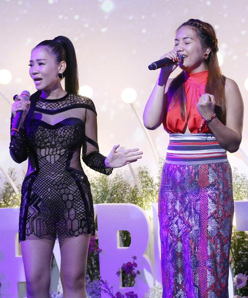 Top 2 Vietnam Idol Janice Phương hát cùng Thu Minh trong đêm sinh nhật.