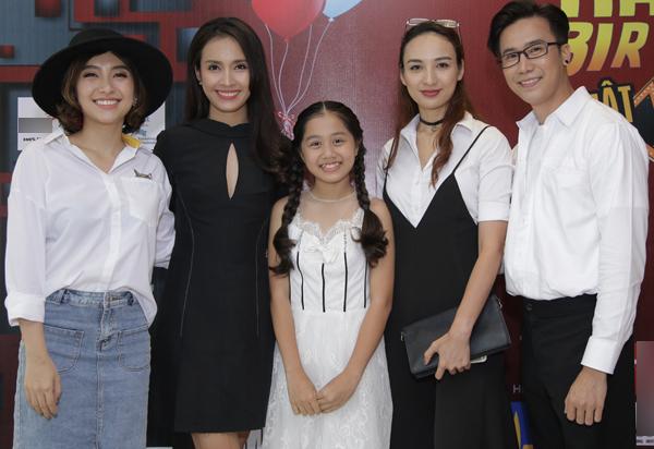 Ca sĩ Tiêu Châu Như Quỳnh, Ái Phương, bé Nhã Thy The Voice Kids 2015, Hoa hậu Ngọc Diễm và biên đạo Lê Việt.