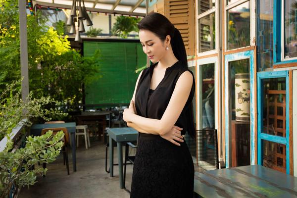Với Thanh Mai, cô thích phong cách sang trọng, trang nhã.