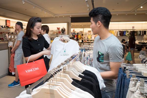 Rất nhiều gia đình đã lên kế hoạch mua sắm để tận dụng cơ hội có 1-0-2.