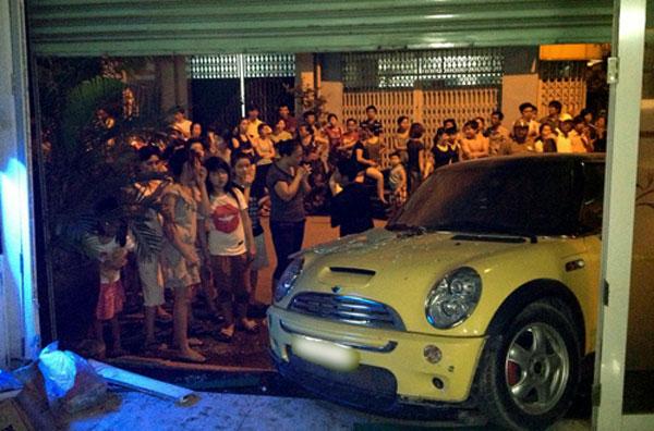 Cũng như Thanh Hằng, Nguyên Vũ cũng hoảng hốt khi xảy ra sự cố gây tai nạn giao thông.