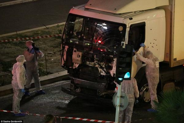 Tài xế xe tải khủng bố đã được xác định.