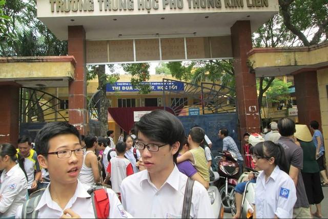 Kỳ tuyển sinh vào lớp 10 THPT Hà Nội năm nay tiếp tục kết hợp thi tuyển và xét tuyển. Ảnh: T.Hằng