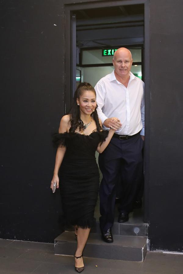 Ngày 20/8, chồng Thu Minh đưa vợ đi chấm thi Vietnam Idol.