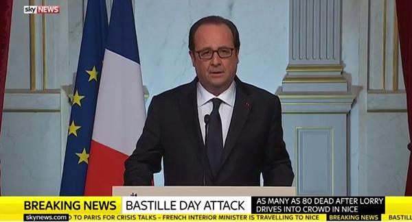 Tổng thống Pháp đã gọi đây là hành động khủng bố.