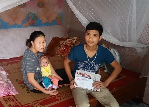 Gia đình cháu Lâm xin cảm ơn tấm lòng  hảo tâm của mọi người đã giúp đỡ cho cháu có điều kiện điều trị bệnh. Ảnh Hoàng Quang