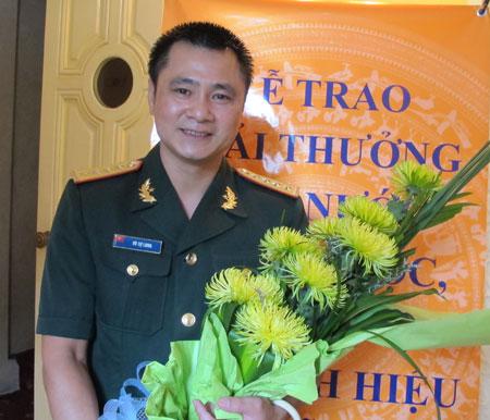 Nghệ sĩ Tự Long có duyên với rất nhiều giải thưởng