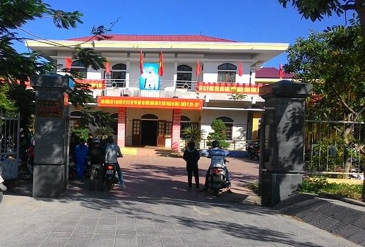 UBND thị trấn Thuận An, nơi ông Trần Bôn làm việc trước khi bỏ nhiệm sở một tuần nay. Ảnh: L.C