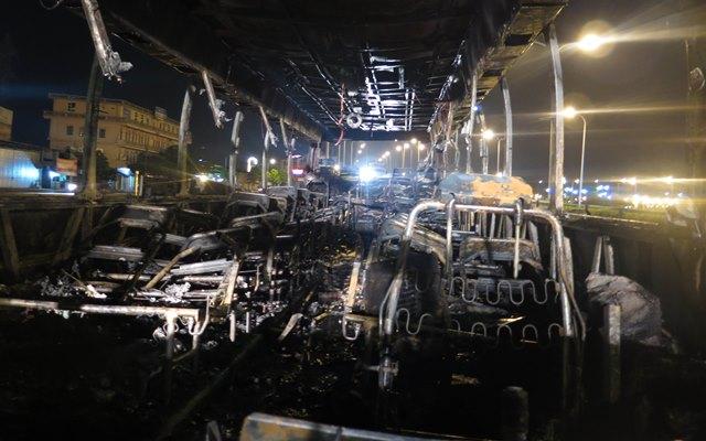 Nguyên nhân ban đầu được xác định do xe bị chập điện. Ảnh Nhật Tân
